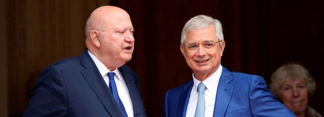 André Santini, président du «club des parlementaires amateurs de Havanes» et Claude Bartolone, président de l'Assemblée nationale.
