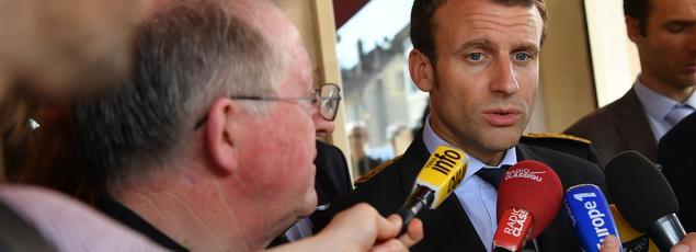 Depuis son entrée en fonction au ministère de l'Économie, à l'été 2014, Emmanuel Macron a pris plus d'une fois la gauche à rebrousse-poil.