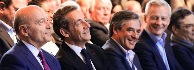 Les quatre candidats favoris dans les sondages assis côte à côte! Cette photo date des élections régionales, quand ils ont fait front commun pour soutenir Valérie Pécresse, au pavillon Baltard, dans sa campagne en Île-de-France. Désormais, c'est chacun pour soi.