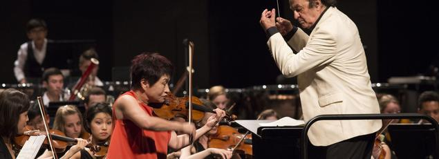 La violoniste Kyung-wha Chung et le chef Charles Dutoit ont présenté samedi à Verbier le «Concerto pour violon» de Brahms puis la «Symphonie fantastique» de Berlioz.