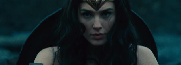 Gal Gadot plus que convaincante dans son rôle de Wonder Woman, la célèbre amazone.