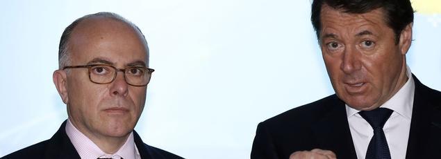 Le ministre del'Intérieur Bernard Cazeneuve et l'ancien maire de Nice Christian Estrosi