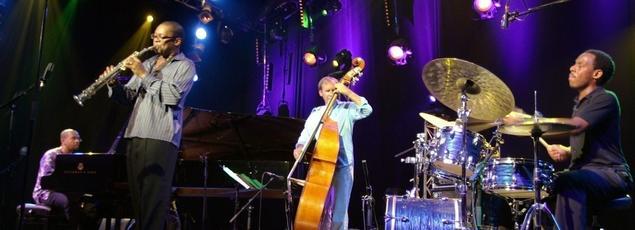 Le saxophoniste américain Ravi Coltrane et son groupe au festival Jazz in Marciac.