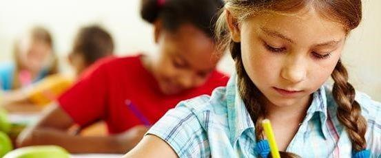 Durant les activités scolaires normales aucune assurance scolaire n'est obligatoire.