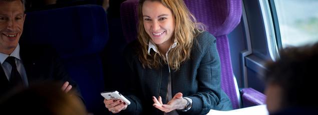 Axelle Lemaire dans un train reliant Paris à Strasbourg, le 11 avril 2015.