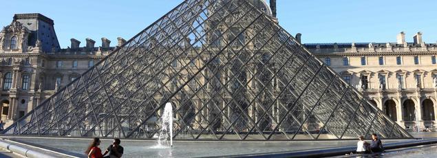 La capitale a été affectée par les attentats mais aussi les grèves et «des prix trop élevés», selon Jean-Marc Ayrault
