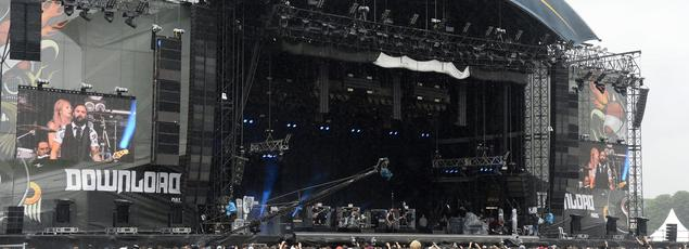 Le festival Download, qui se déroule à Longchamp, a employé 2300 personnes pour une fréquentation d'environ 100.000 spectateurs.