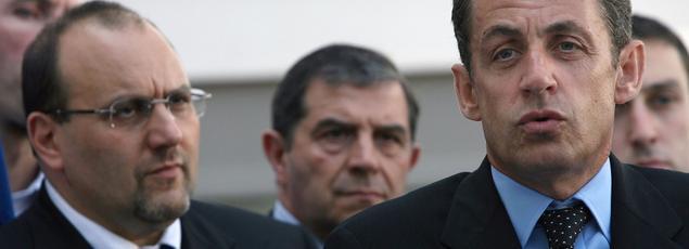 Julien Dray et le président Sarkozy, le 1er août 2007 en visite à Évry (Essonne)