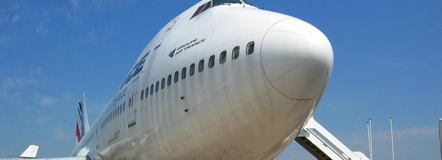 Le Boeing pèse 333 tonnes au décollage, dont 105 tonnes de carburant.