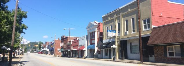 Avec ses 2300 habitants, dans le village de Carthage, le dimanche, les rues sont littéralement vides et tous les commerces sont fermés.
