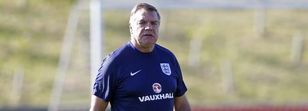 Sam Allardyce est seul au monde depuis que The Telegraph a révélé ses conseils pour contourner le réglement de la FA.