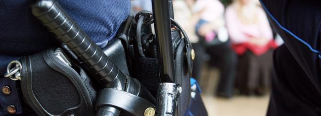 La plupart des policiers municipaux disposent d'une matraque. Seulement 45% d'un pistolet.