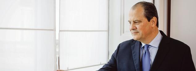 Jean-Christophe Cambadélis: «Emmanuel Macron a fait sa carrière à gauche et se veut un avenir à droite.»
