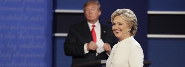 Donald Trump et Hillary Clinton lors du troisième débat, mercredi à Las Vegas.