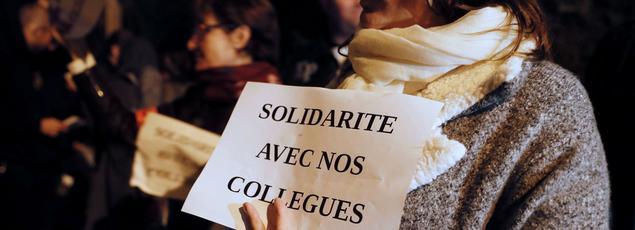 Plusieurs centaines de policiers ont manifesté, suite à l'attaque de quatre de leurs collègues, le 8 octobre