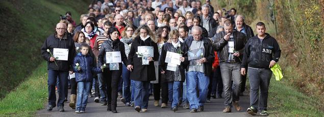 Une marche blanche s'était déroulée le 7 novembre à Saint-Germain-de-Clairefeuille, en hommage aux victimes de l'accident de Puisseguin.