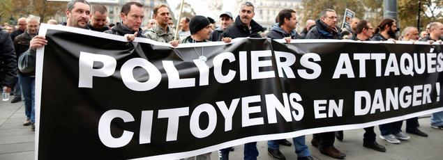 Manifestation de policiers, mercredi, place de la République, à Paris.