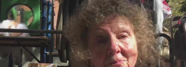 Crystal, une directrice de théâtre new-yorkais de 73 ans, ne votera pas. Elle supportait Bernie Sanders.