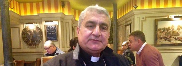 Monseigneur Habib Hormuz Al-Naufali est archevêque du diocèse de Bassora, dans le Sud-Est de l'Irak. Ici à Paris le 25/11/2016.