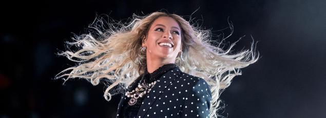 Beyoncé a reçu neuf nominations pour les Grammy Awards 2017.