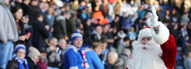 On devrait voir des Pères Noël cet après-mldi sur tous les terrains de la Premier League.