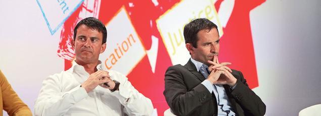 Manuel Valls, alors à l'Intérieur, et Benoît Hamon, toujours au gouvernement chargé de l'Économie sociale et solidaire , à l'université d'été du Parti socialiste à La Rochelle en août 2012.
