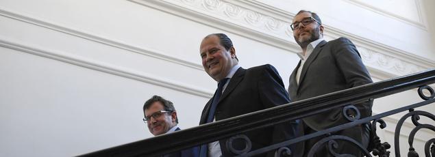 Solferino menace depuis des mois d'exclure les socialistes soutiens d'Emmanuel Macron... sans toutefois franchir le pas.