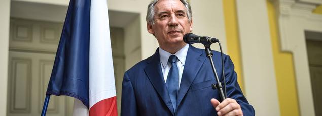 François Bayrou est le seul à «proposer une alternative forte et crédible», selon ses soutiens.
