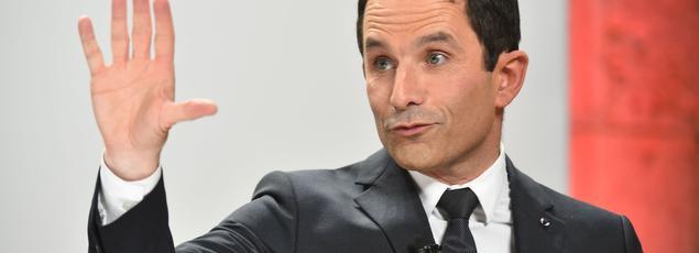 Benoît Hamon a aussi invité le centriste François Bayrou à se pencher sur ses propres propositions en faveur de la transparence.