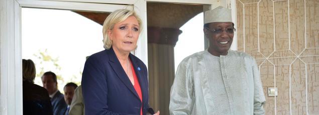 Marine Le Pen et le président tchadien Idriss Déby Itno.