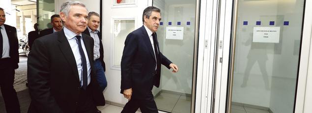 Bernard Accoyer et François Fillon font leur arrivée avant l'ouverture du bureau politique LR, lundi après-midi.