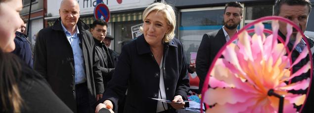 Marine Le Pen lundi à Rouvroy dans le Pas-de-Calais.
