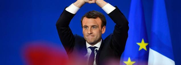 Emmanuel Macron est arrivé en tête des suffrages lors du premier tour de l'élection présidentielle 2017 avec 23,75% .