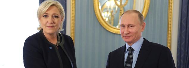 Le 24 mars dernier, Marine Le Pen a été reçue au Kremlin par le président russe Vladimir Poutine.
