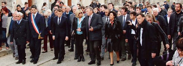 Emmanuel Macron à Oradour-sur-Glane (Haute-Vienne), où il est venu commémorer vendredi le massacre des 642 habitants par une unité de la Waffen-SS le 10 juin 1944.