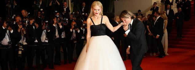 Montée des marches lundi soir de Nicole Kidman, accompagnée par son mari Keith Urban.