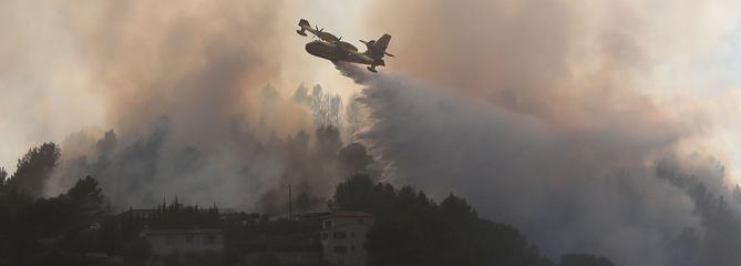 Incendies : plus de 2000 hectares détruits dans le Sud-Est et en Corse