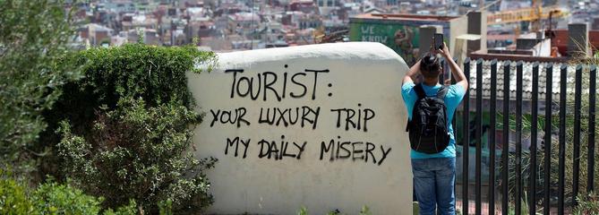 Espagne, Italie : la fronde des habitants face à l'afflux de touristes