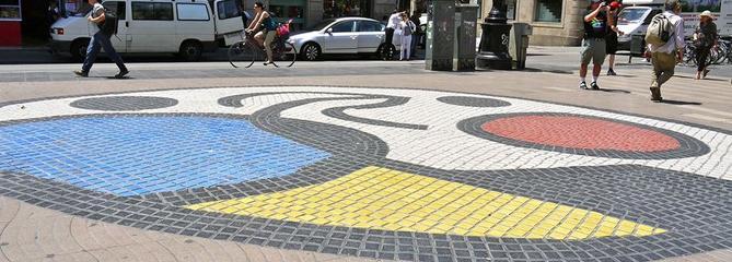 Attentat de Barcelone: l'art bat le pavé des Ramblas