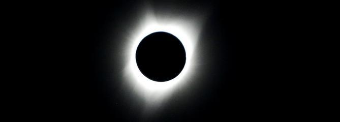 Éclipse totale : le Soleil et la Lune font le spectacle aux États-Unis