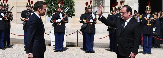 Les critiques de Hollande agacent les macronistes