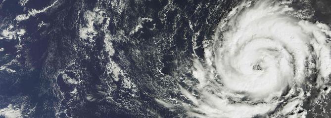 La tempête Ophelia cause la mort de trois personnes en Irlande