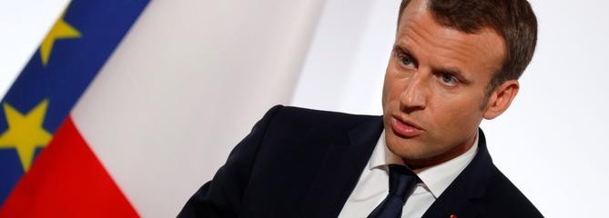 La popularité de Macron instable après six mois de présidence