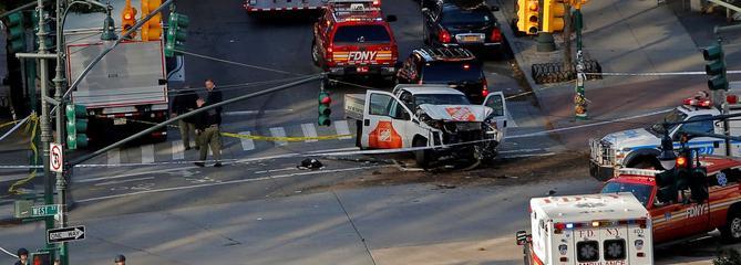 Huit morts dans un attentat à la voiture-bélier à New York