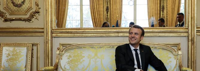 Macron va présenter son projet de refonte de la fiscalité devant les maires