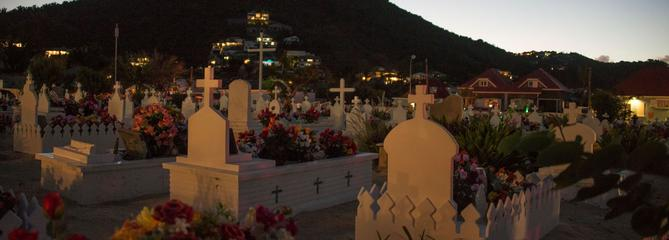 Johnny Hallyday repose désormais à Saint-Barthélemy