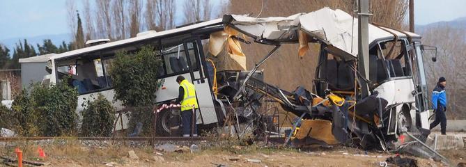 Collision entre un train et un bus à Millas : le bilan est de quatre morts