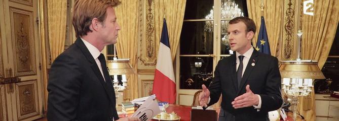 Sur France 2, Emmanuel Macron défend sa politique et son style
