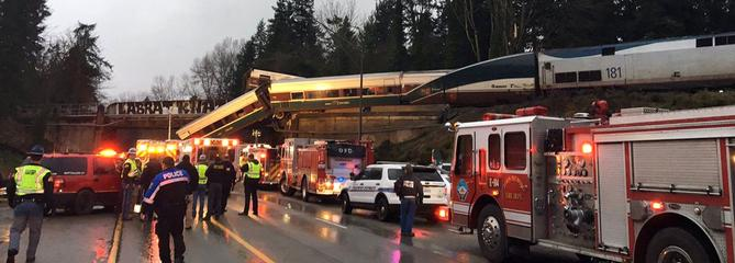 Un train déraille dans l'État de Washington, plusieurs morts