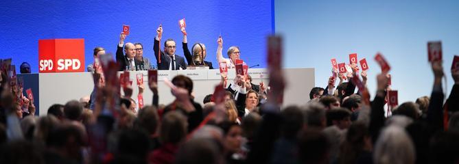 Le SPD approuve le principe d'une coalition avec Angela Merkel